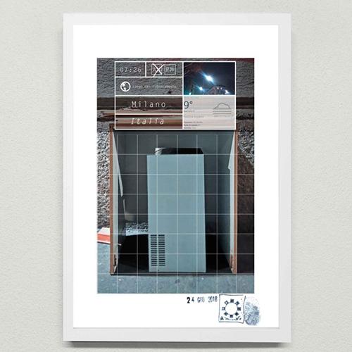 Installazione d'arte contemporanea urbana. Arte concettuale di Maurizio Di Feo