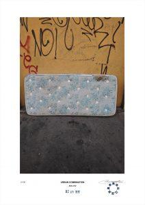 Arte contemporanea dell'artista Maurizio Di Feo. Combinazione urbana con materasso insanguinato, Milano